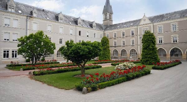 hebergement_centre-spirituel-providence-de-la-pommeraye_angers_maine-et-loire_groupe_ressourcement_culture_tourisme_spiritualite_1
